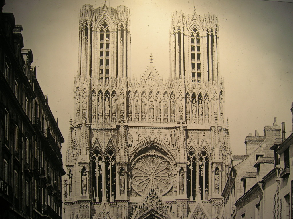 Reims in 1908, picture from Cathedral