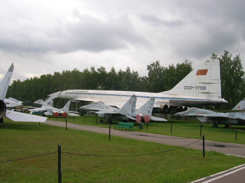 MiG-29 Fulcrums with the Russian SST