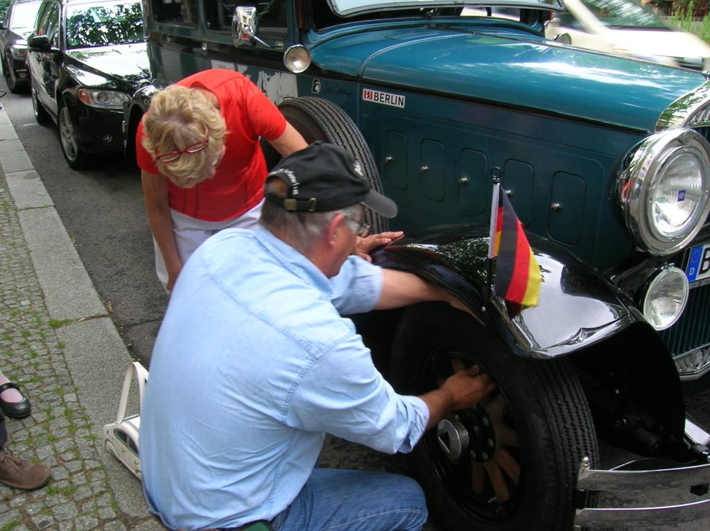 Luke providing advice on a slightly loose wheel