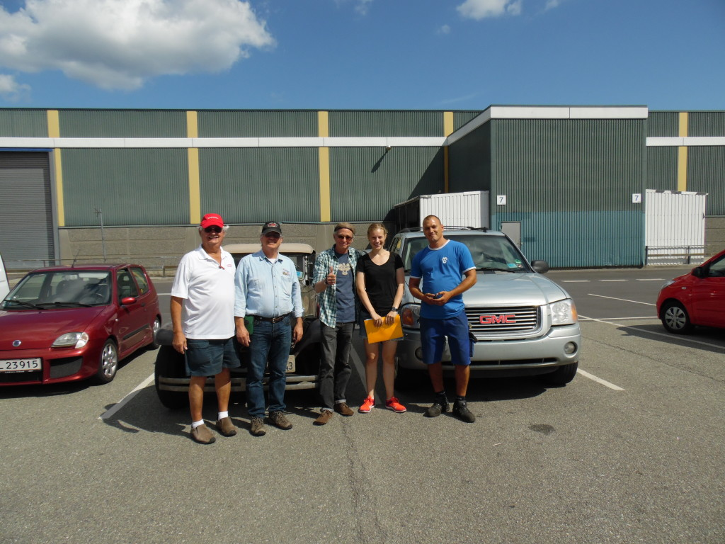 The gang at the Mammen & Dresecher A/S shipping facility....Next stop NY