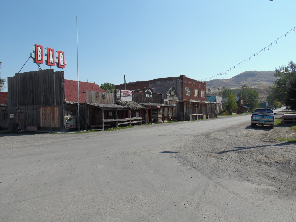 Almost, but not quite a ghost town ....I think the bar is for sale if anyone is interested